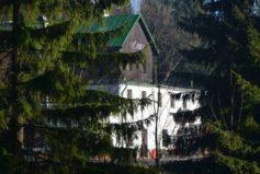 Vyfotografovat Lučanku není snadné, z většiny úhlů v tom brání les…